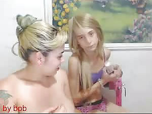 Tattooed MILF seducing blonde teen tranny - amateur porn tube